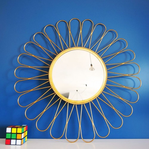 Espejo sol dorado en forma de flor, vintage años 60.