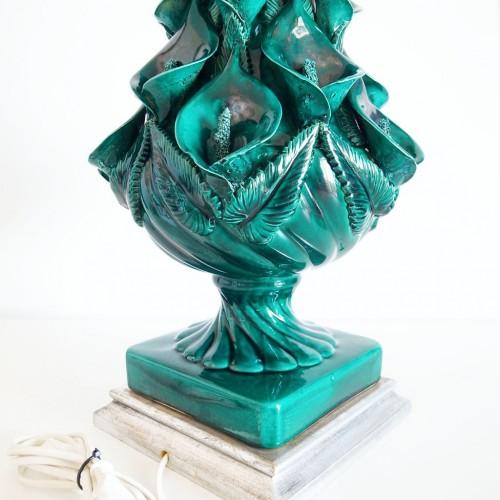 Lámpara de cerámica de Manises con flores de cala, vintage 60s.