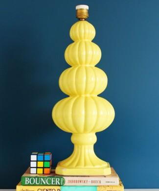 Lámpara vintage de cerámica amarilla de Manises, años 50s-60s.