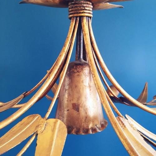 Gran lámpara de techo en forja dorada. Ramas y hojas. Mid century vintage 60s.