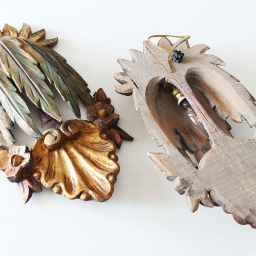 Pareja de apliques barrocos de madera tallada y policromada. Vintage siglo XX.