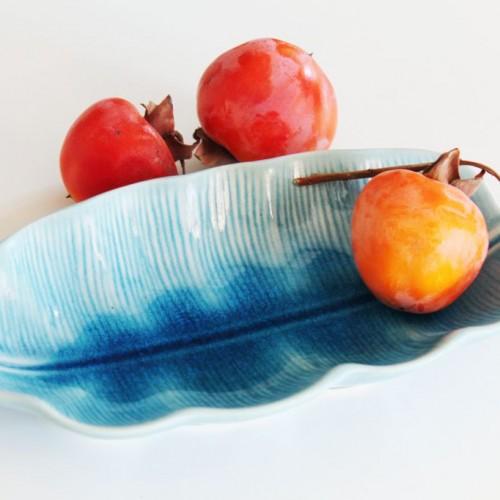 Hoja de cerámica azul. Fuente o centro de mesa, vintage años 60.