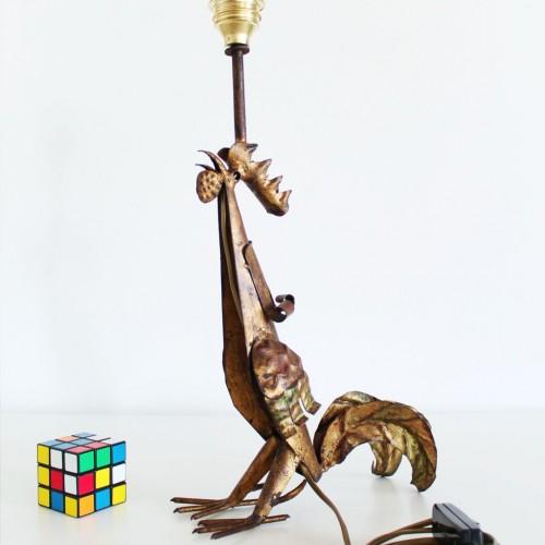 Lámpara gallo, escultura brutalista realizada en forja dorada. Vintage años 50s-60s.