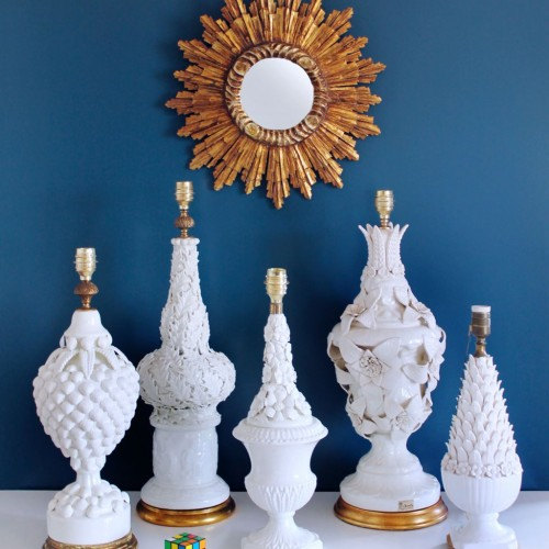 Excelente lámpara de cerámica de Manises con hojas de acebo, vintage años 50-60.