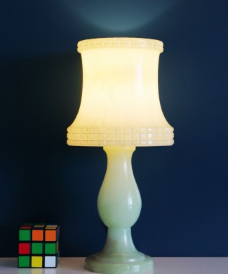 Lámpara de sobremesa de alabastro en color verde, vintage Mid century años 50s-60s.