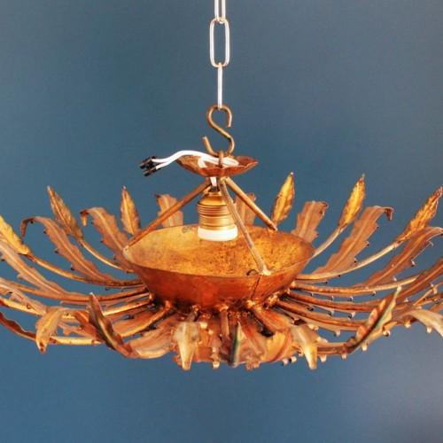 Lámpara sol de forja dorada, doble sistema de iluminación, vintage años 60.