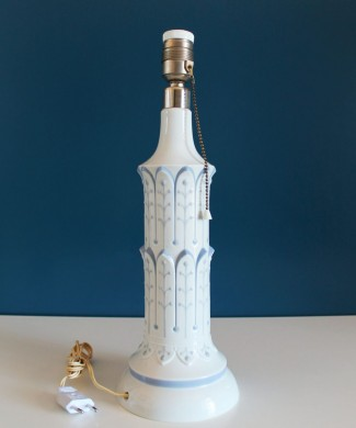 """Lámpara de porcelana Lladró """"Columna torre Pisa"""", vintage años 70."""