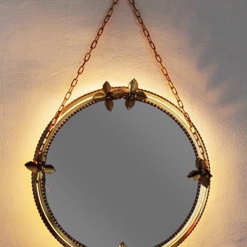Espejo retroiluminado con marco de acero dorado y flores, vintage años 60s.