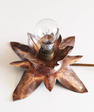 Lámpara flor de bronce, Francia, vintage años 50s-60s.
