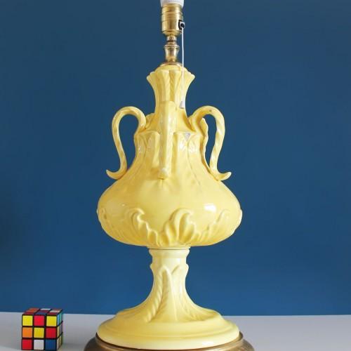 Lámpara de Manises en cerámica amarilla. Vintage 50s-60s.