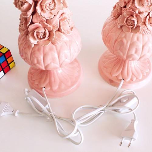 Pareja de lámparas de cerámica rosa de Manises (Valencia). Vintage años 50s-60s.