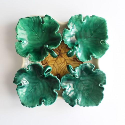 Hojas de cerámica: juego de cuatro platillos y fuente. Vintage años 60s.