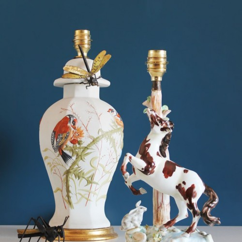 Lámpara de cerámica de Manises-Franju con caballo y liebre. Vintage años 60s.