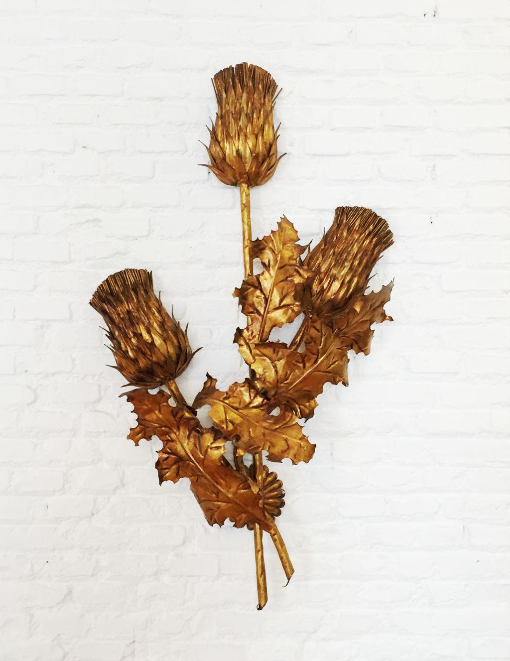 Pared dorada interesting griferia lavatorio pared antigua for Griferia dorada