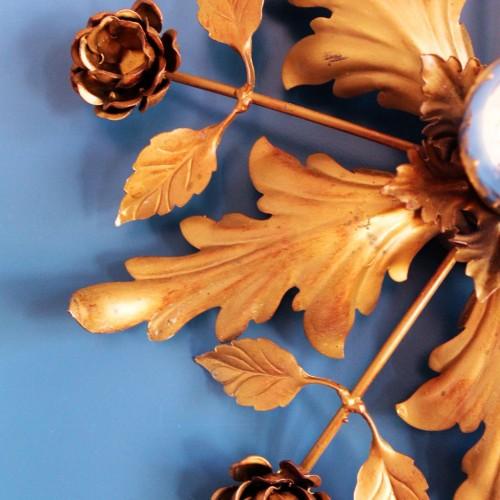 Lámpara sol, plafón de techo o aplique de pared en forja dorada, vintage.