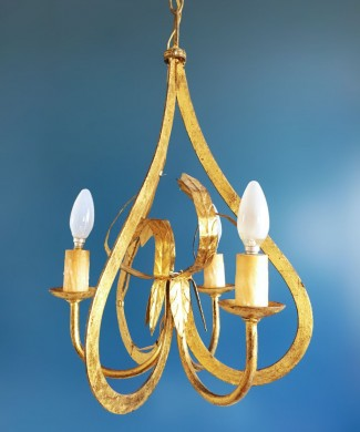 Lámpara chandelier de techo en forja dorada. Forma de corazón y hojas. Vintage 50s-60s.