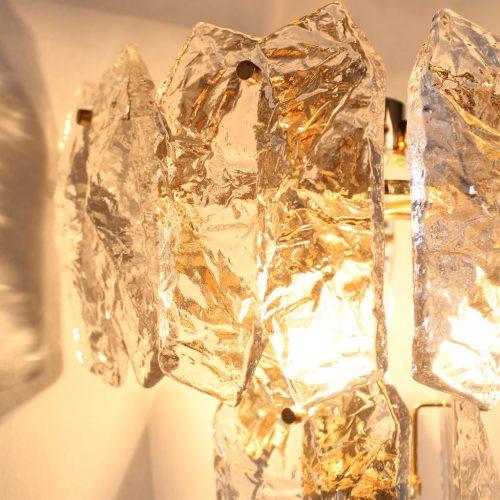 J. T. KALMAR - Excelente pareja de apliques de cristal de hielo y latón dorado. Austria, vintage años 60s-70s.