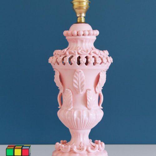 Lámpara de cerámica rosa de Manises. C. Hispania. Vintage años 50s-60s.