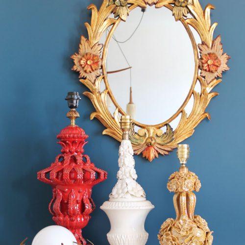 Espejo cornucopia barroco de madera tallada, policromada y dorada al pan de oro. Francia, Vintage 50s-60s.
