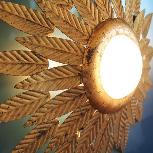 SOL - Lámpara de techo o aplique de pared en forja dorada. Mid century vintage 60s.