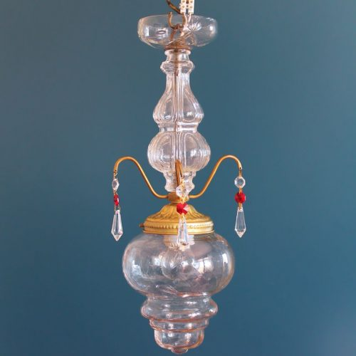 Lámpara antigua de techo en cristal y latón, comienzos del siglo XX.