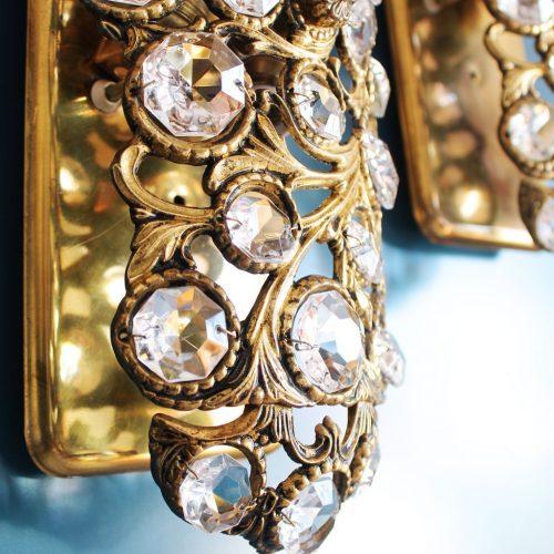 Pareja de apliques-joya de bronce y cristal con diseño floral, vintage años 60s-70s.