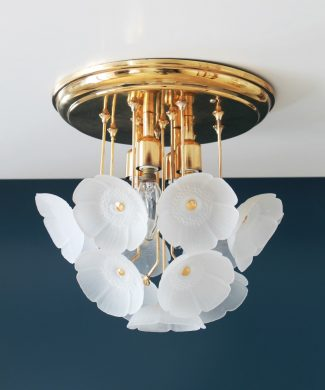 Espectacular lámpara de techo de flores de cristal y latón, Alemania, vintage 60s.