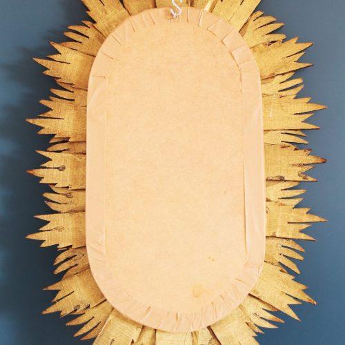 Gran espejo sol de madera dorada. Tallado a mano. Vintage años 50-60.