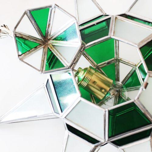 Lámpara farol granadino en forma de estrella, en color verde. Artesanía de vidriera. Vintage años 50s.