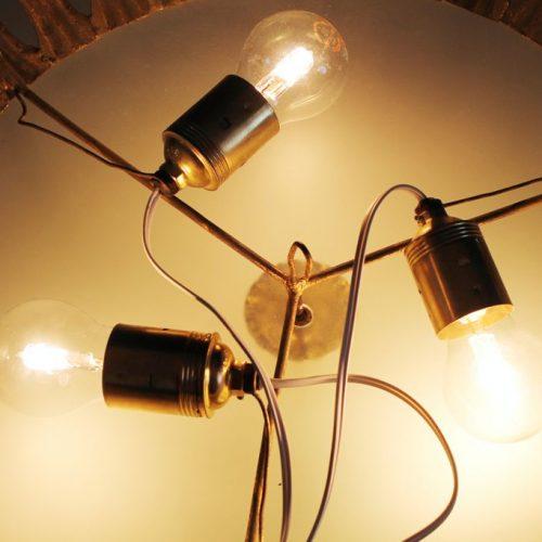 SOL - Gran lámpara plafón de techo o aplique de pared en forja dorada. Mid century vintage 60s.