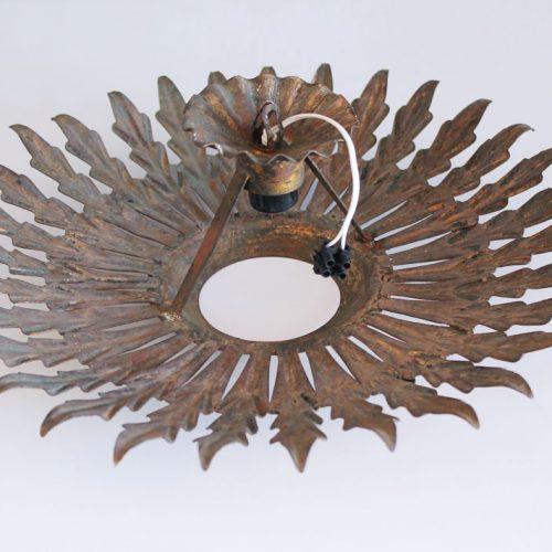 SOL - Lámpara de techo o aplique de pared en forja dorada al pan de oro. Vintage 60s.