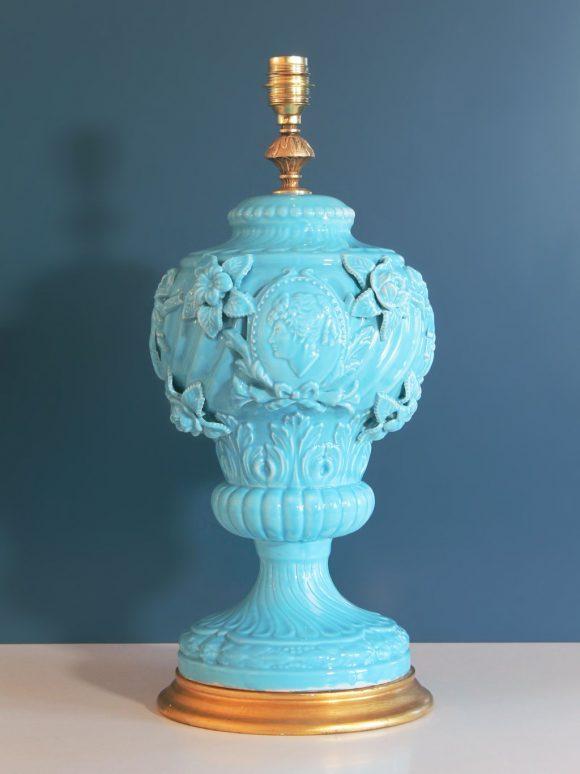 Gran lámpara vintage de cerámica de Manises, C.Bondía. Copa estilo Imperio con efigies clásicas. Vintage 50s-60s.