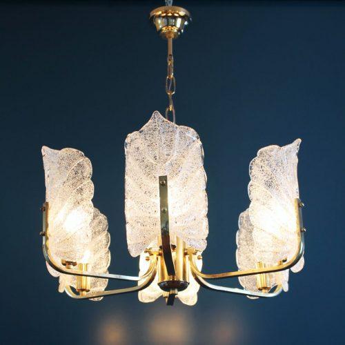 CARL FAGERLUND - ORREFORS. Lámpara de techo, hojas de cristal y latón dorado. Vintage años 60s.