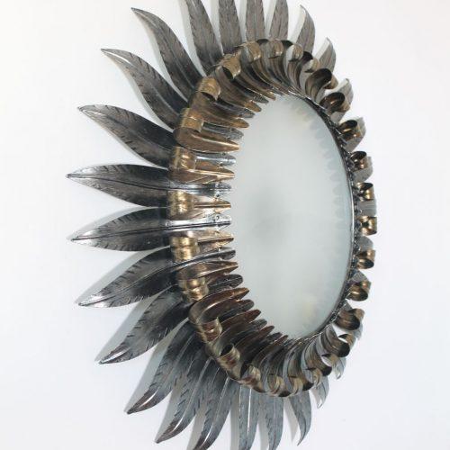 Lámpara sol o aplique de pared en forja plateada y dorada, convertible en espejo retroiluminado. Vintage Mid Century años 60.
