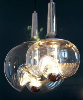 PEILL & PUTZLER Pareja de lámparas de techo de cristal y acero, Koch and Lowy, Alemania, vintage 70s.
