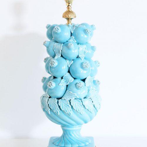 Excepcional lámpara de cerámica de Manises (Valencia). Bondía. Azul con granadas. Vintage 50s-60s.