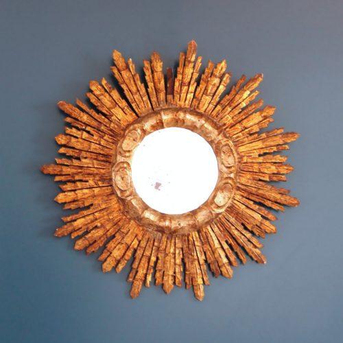Espejo sol de madera tallada y dorada al pan de oro, vintage años 60.