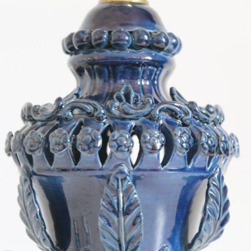 Exquisita lámpara de cerámica de Manises (Valencia). Azul oscuro. C. Hispania. Vintage años 50s-60s.