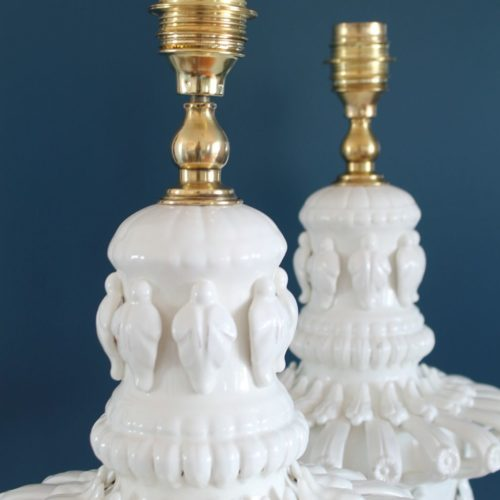 Espectacular pareja de lámparas de cerámica de Manises en color blanco. Restauradas. Vintage 50s-60s.