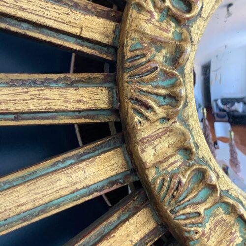 Espejo sol retroiluminado de madera tallada y dorada al pan de oro. Espejo convexo. Vintage años 60.