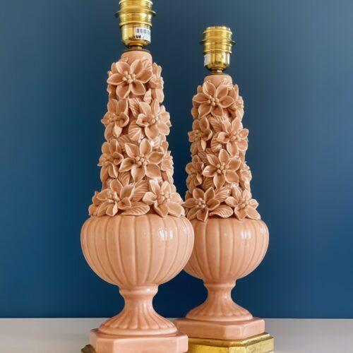 Preciosa pareja de lámparas de cerámica Manises (Valencia). Rosa pálido. Vintage años 50s-60s.