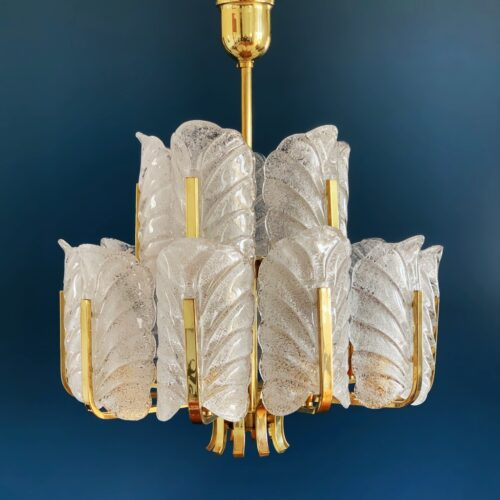 CARL FAGERLUND - ORREFORS. Gran lámpara de techo, hojas de cristal y latón dorado. Vintage años 60s.