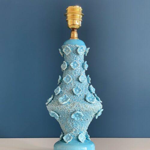 Lámpara de cerámica de Manises, Bondía, en color azul con flores. Vintage 50s-60s.